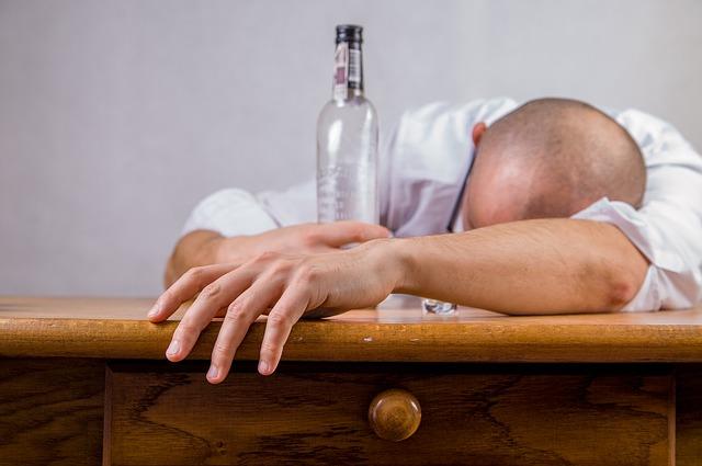 opilý muž