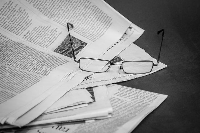 noviny, brýle