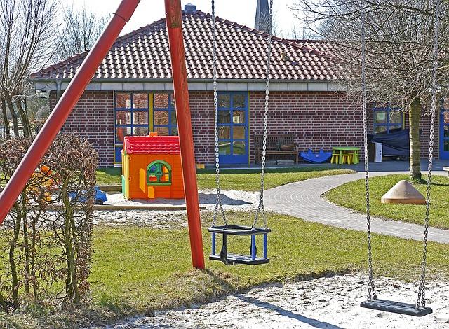 dětské hřiště u školky