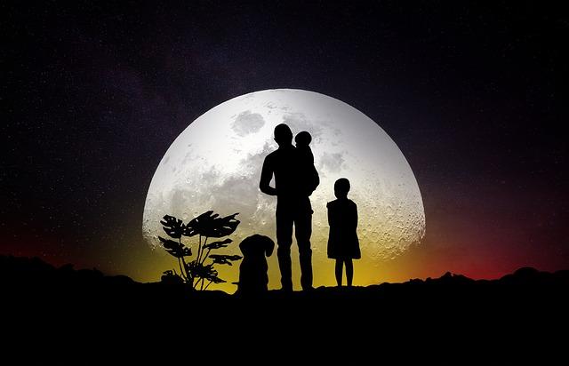 měsíc a rodina