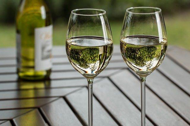 skleničky na víno.jpg