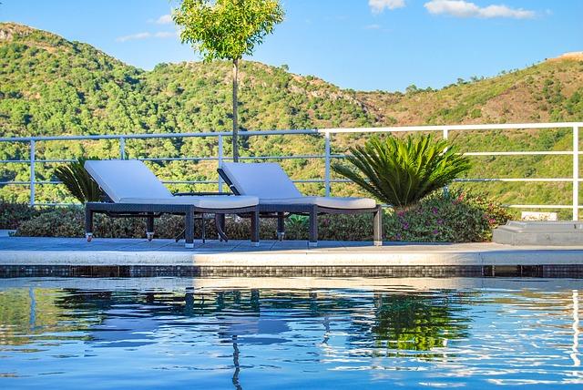 venkovní bazén na samotě