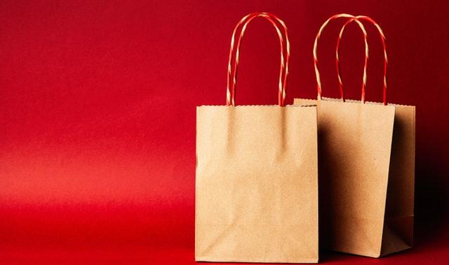 dvě papírové tašky.jpg