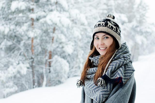 žena s hezkým úsměvem